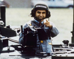 Michael_Dukakis_in_tank1