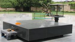 Gandhis_cremation_site_2