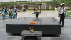 Gandhis_cremation_site_2_2